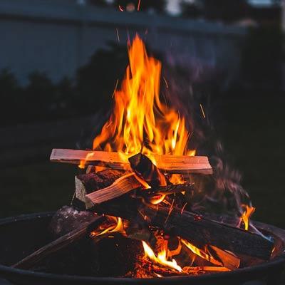 Brand in de vuurkorf